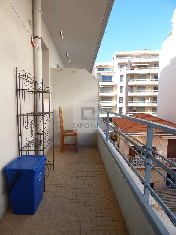 Location Appartement ANTIBES surface habitable de 33 m²