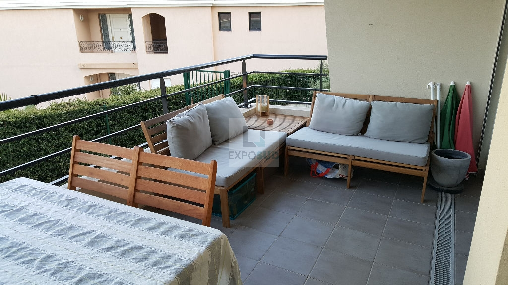 Location Appartement ANTIBES individuel, radiateur,  chauffage