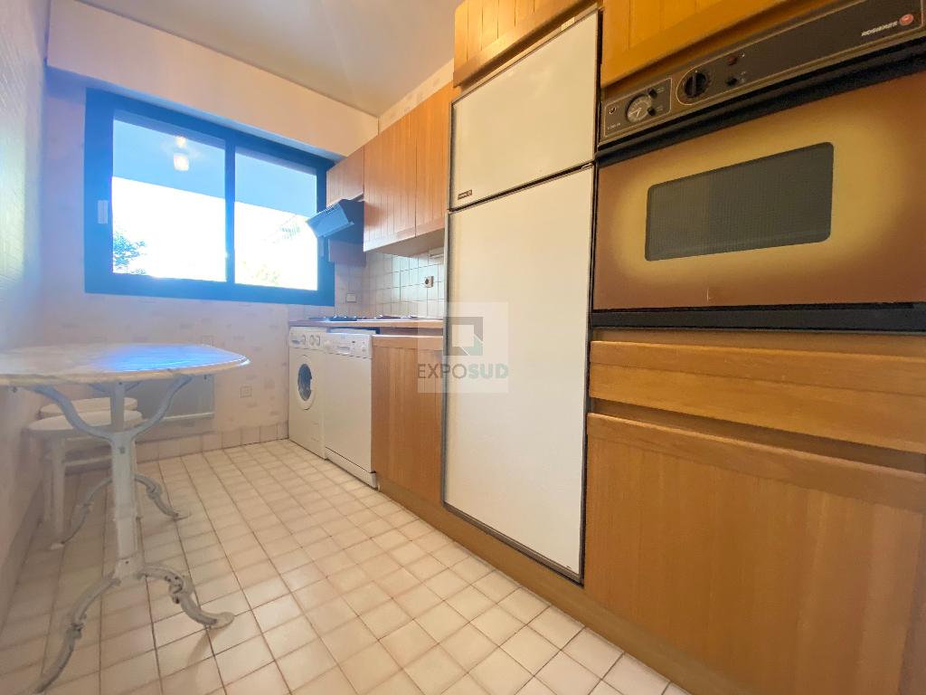 Location Appartement JUAN LES PINS individuel, radiateur, electrique chauffage