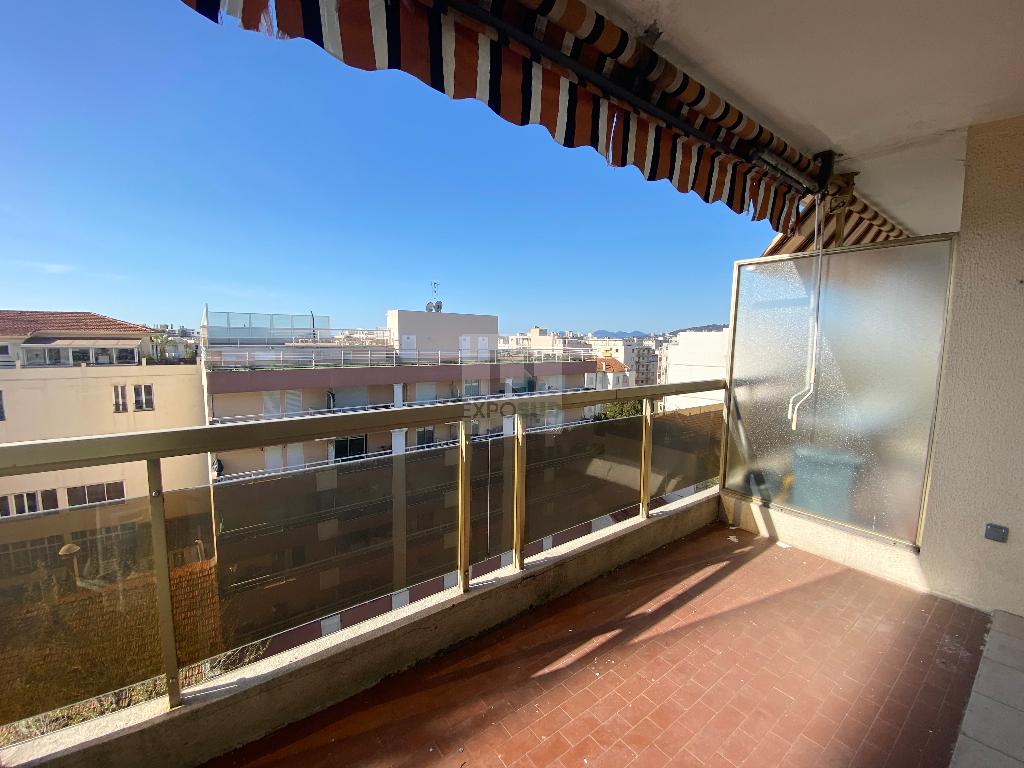 Location Appartement JUAN LES PINS 1 salles d'eau