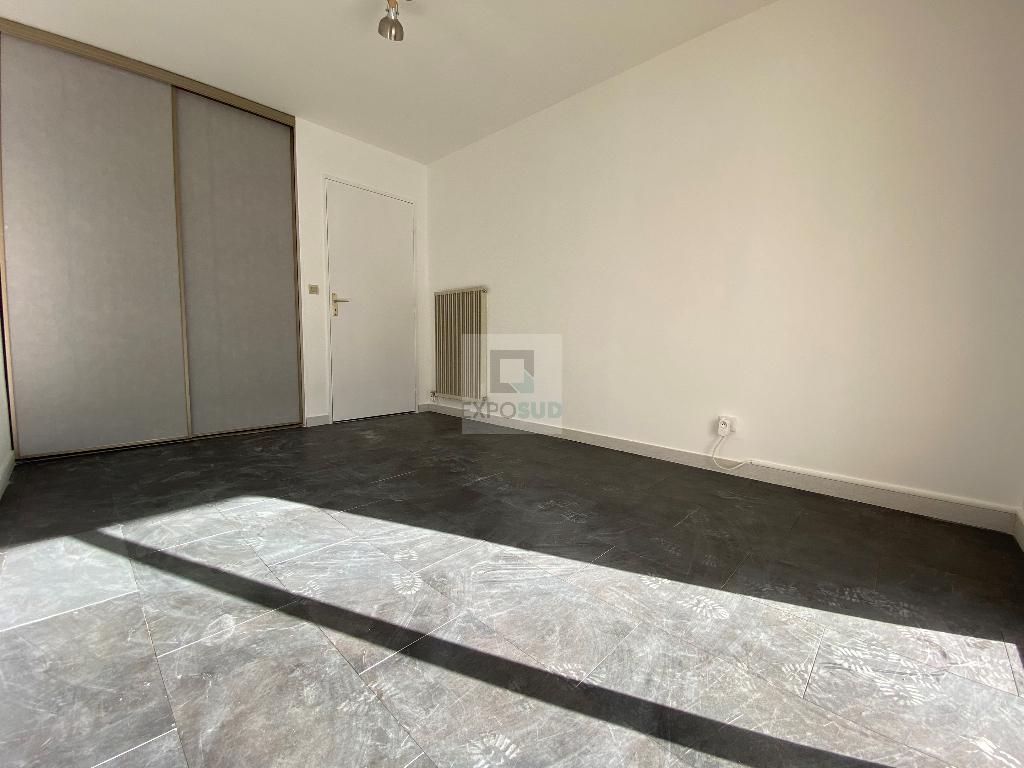 Location Appartement JUAN LES PINS collectif, radiateur, gaz chauffage