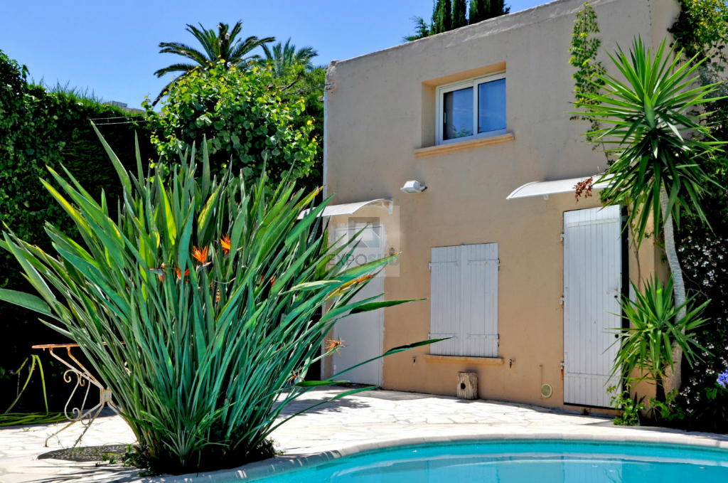 Vente Maison ANTIBES surface habitable de 222 m²