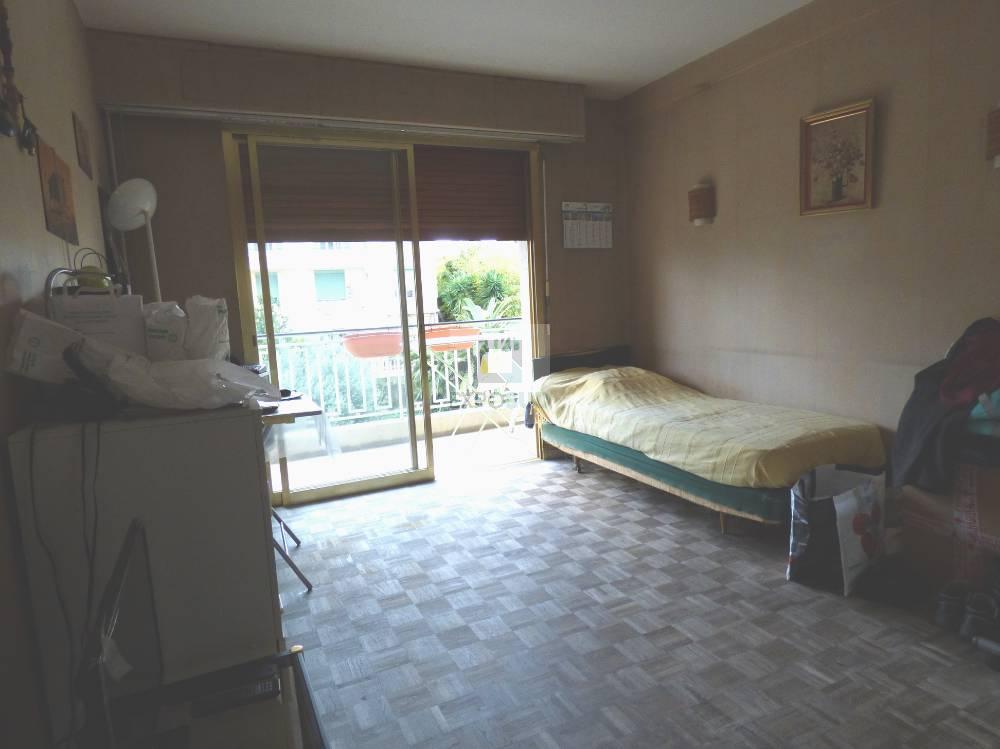 Vente Appartement ANTIBES séjour de 20.1 m²