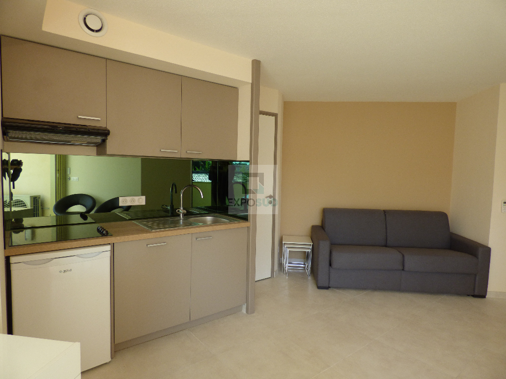 Location Appartement ANTIBES surface habitable de 24.76 m²