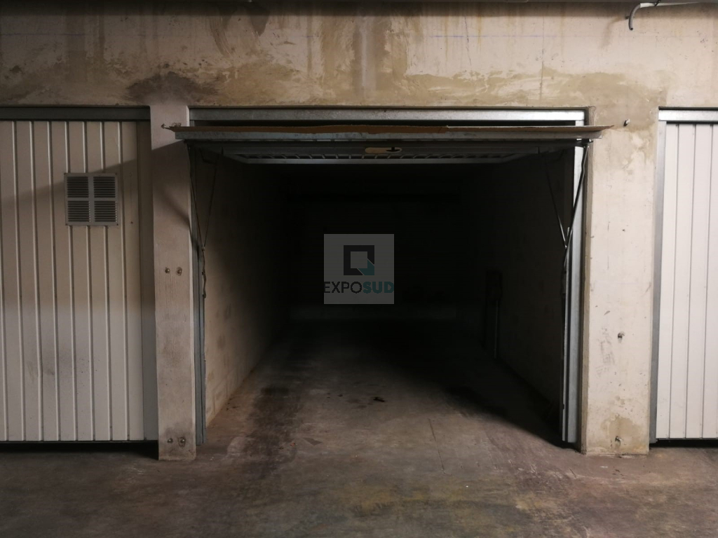 Location Parking JUAN LES PINS surface habitable de 0 m²