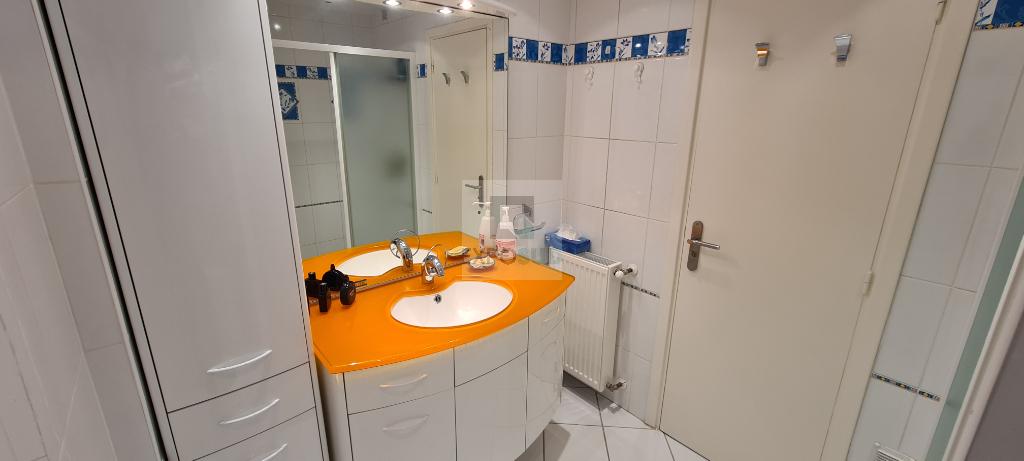 Vente Appartement JUAN LES PINS collectif, radiateur, gaz chauffage