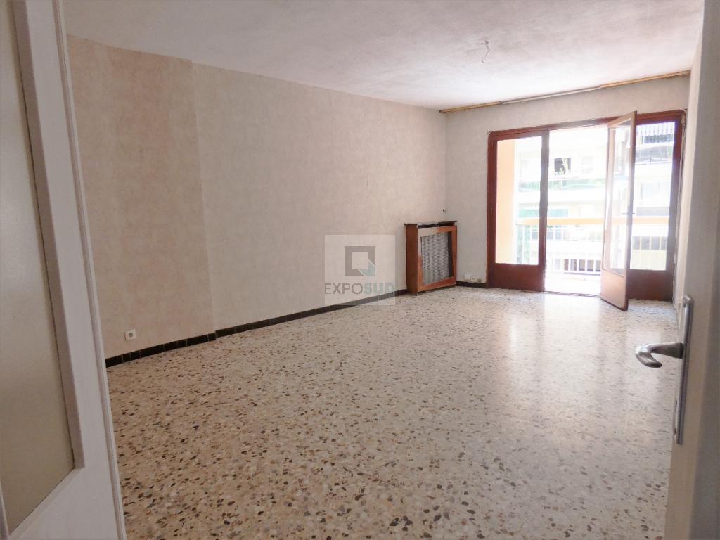 Vente Appartement ANTIBES séjour de 22 m²